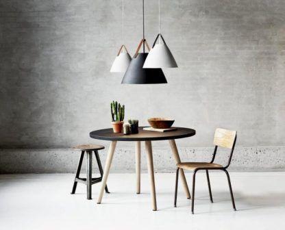 industrialna lampa wisząca ze stożkowym kloszem - aranżacja jadalnia nowoczesna