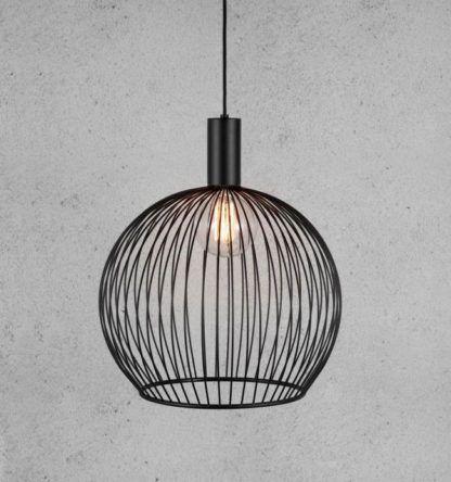 metalowa lampa wisząca z czarnych drutów, ażurowa