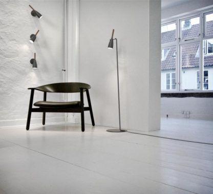 lampa podłogowa w stylu skandynawskim, matowe wykończenie - aranżacja