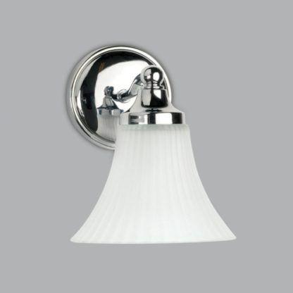 klasyczny kinkiet z kloszem w formie kielicha ze szkła mlecznego, srebrna podstawa