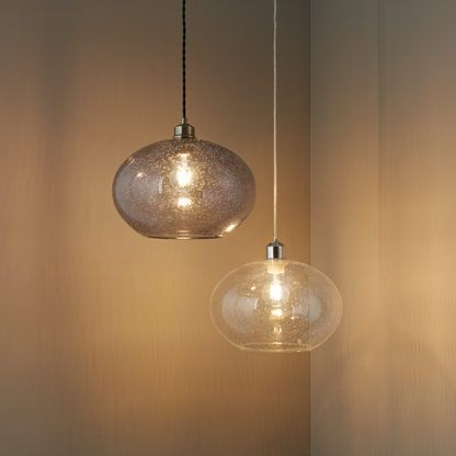 lampa wisząca, szklana kula z pęcherzykami w środku, bezbarwna