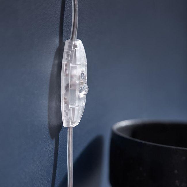 kinkiet ścienny, klosz w kształcie kuli, transparentny przewód bezbarwny