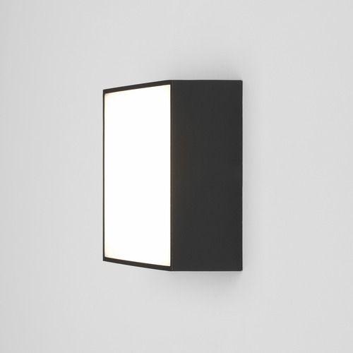 kwadratowy kinkiet w nowoczesnym stylu