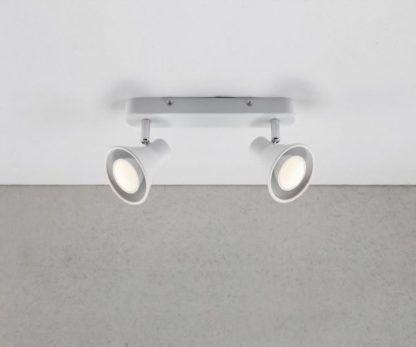 szynowa lampa sufitowa w kolorze białym