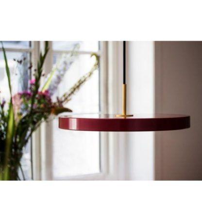 nowoczesna lampa wisząca, płaski klosz bordowy, lampa nad stół z panelem led