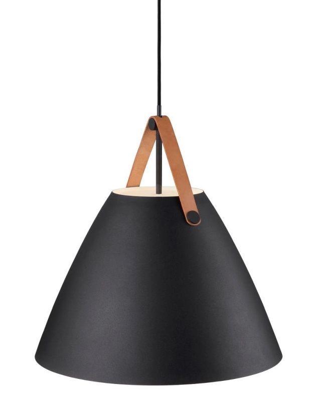 czarna lampa wisząca z kloszem stożkowym