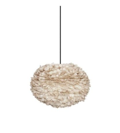 okrągła lampa wisząca z kloszem w jasnobrązowym kolorze, styl skandynawski
