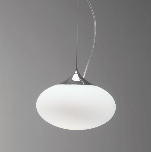 nowoczesna lampa wisząca z owalnym kloszem z mlecznego szkła