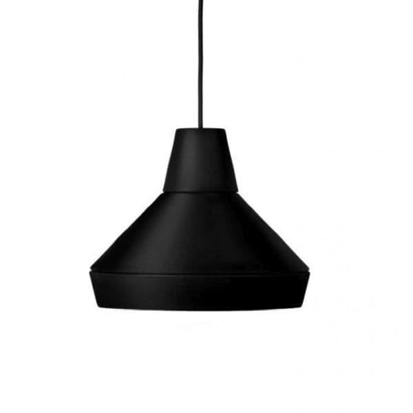 czarna lampa wisząca w stylu nowoczesnym - aranżacja