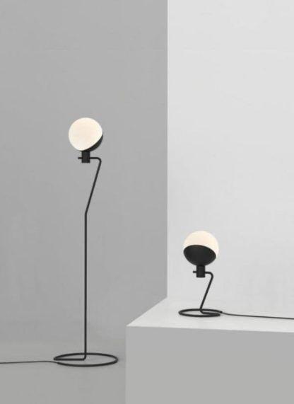 nowoczesna lampa stołowa biało-czarna