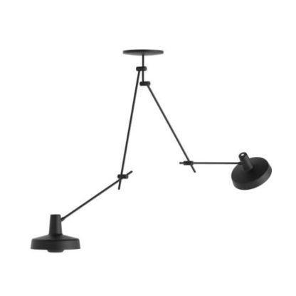 czarna lampa wisząca z dwoma długimi ramionami, styl nowoczesny