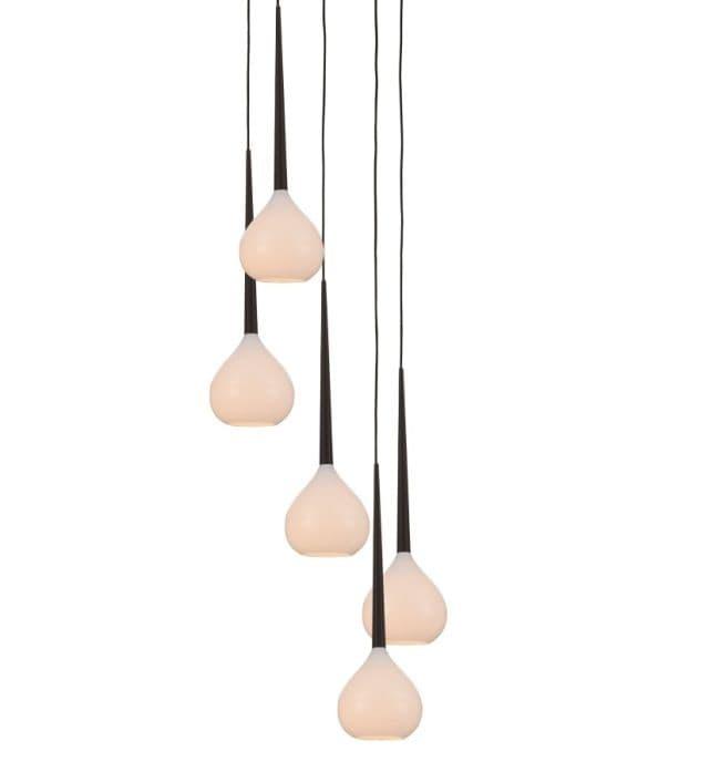 podłużna lampa wisząca z białego szkła na 5 żarówek